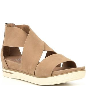 Eileen Fisher Sport Sandal size 7.5 leather straps